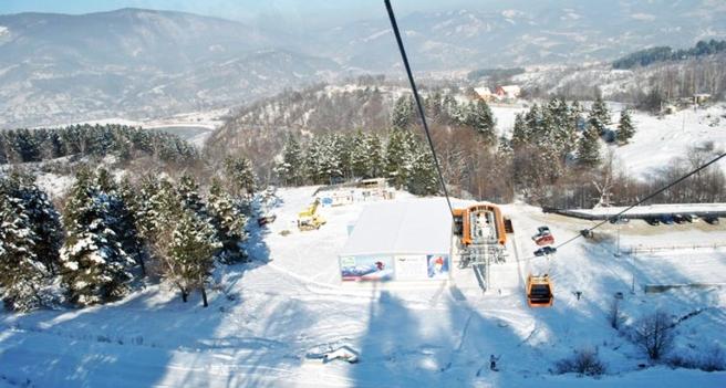 2_pasul-valcan-hunedoara-partie-ski-si-snowboard-telegondola-munte-zapada-iarna-schi1